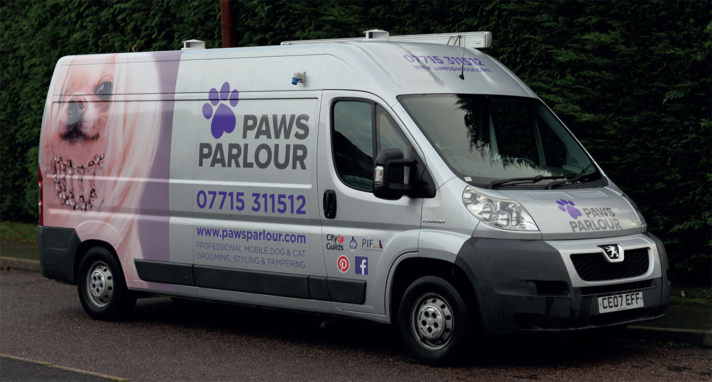 Dog Grooming Mobile Unit